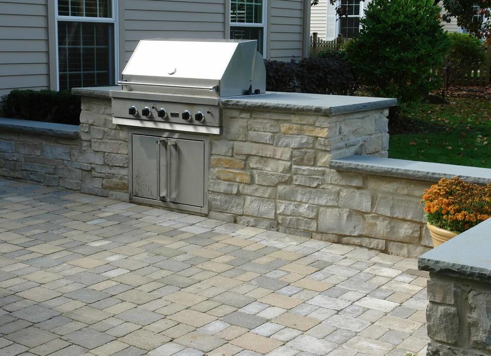 outdoor patio built in grill