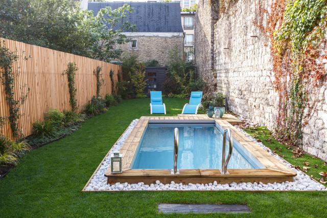 une petite piscine pour un petit jardin