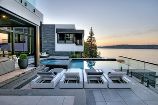 infinity pool for ultra modern home