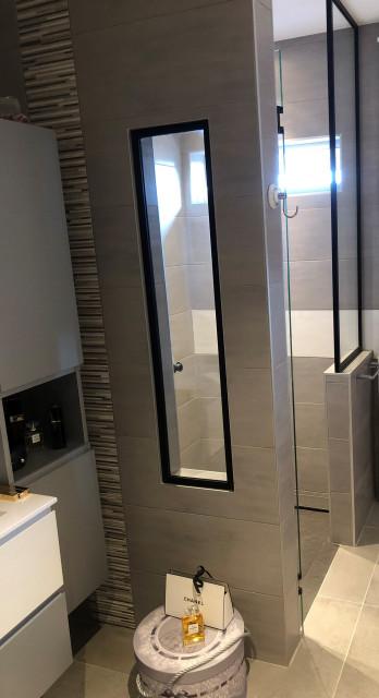 Renovation Complete D Une Salle De Bains De 8m2 Avec Wc Contemporain Salle De Bain Nice Par Elixir Cuisines Bains Et Dressings