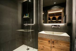 salle de bain avec une douche d angle