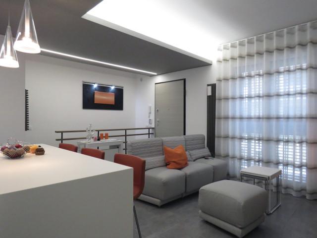 Ecco un bel progetto per arredare 40 mq dei designers di grits creative group che hanno trasformato un anonimo bilocale in una moderna e funzionale casa. Come Hanno Fatto 4 Pro Spiegano 4 Open Space Under 25mq