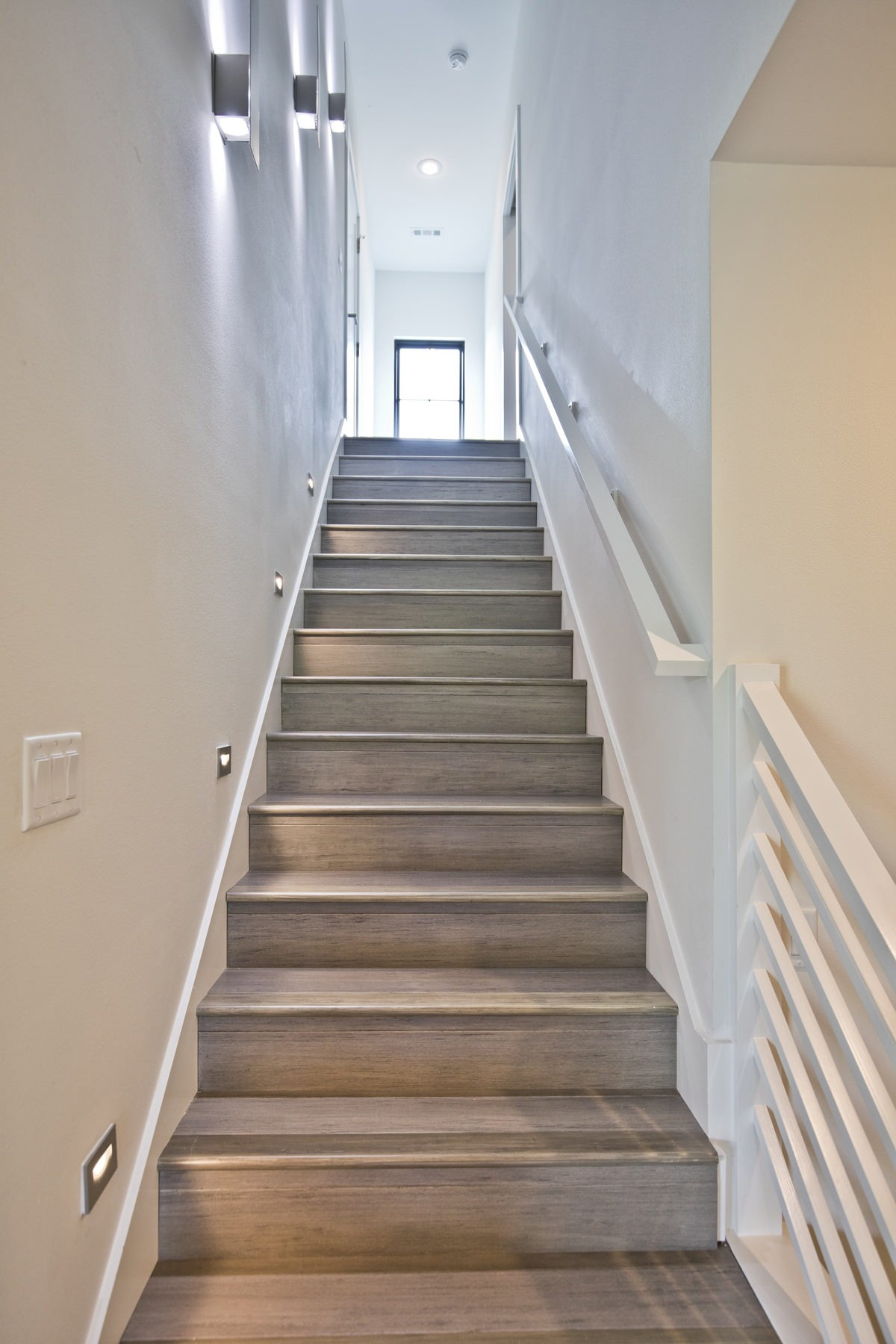 75 Beautiful Staircase Pictures Ideas September 2020 Houzz   Steel Design For Stairs   Spiral   Elegant Steel   Architectural Steel   Simple   Stringer