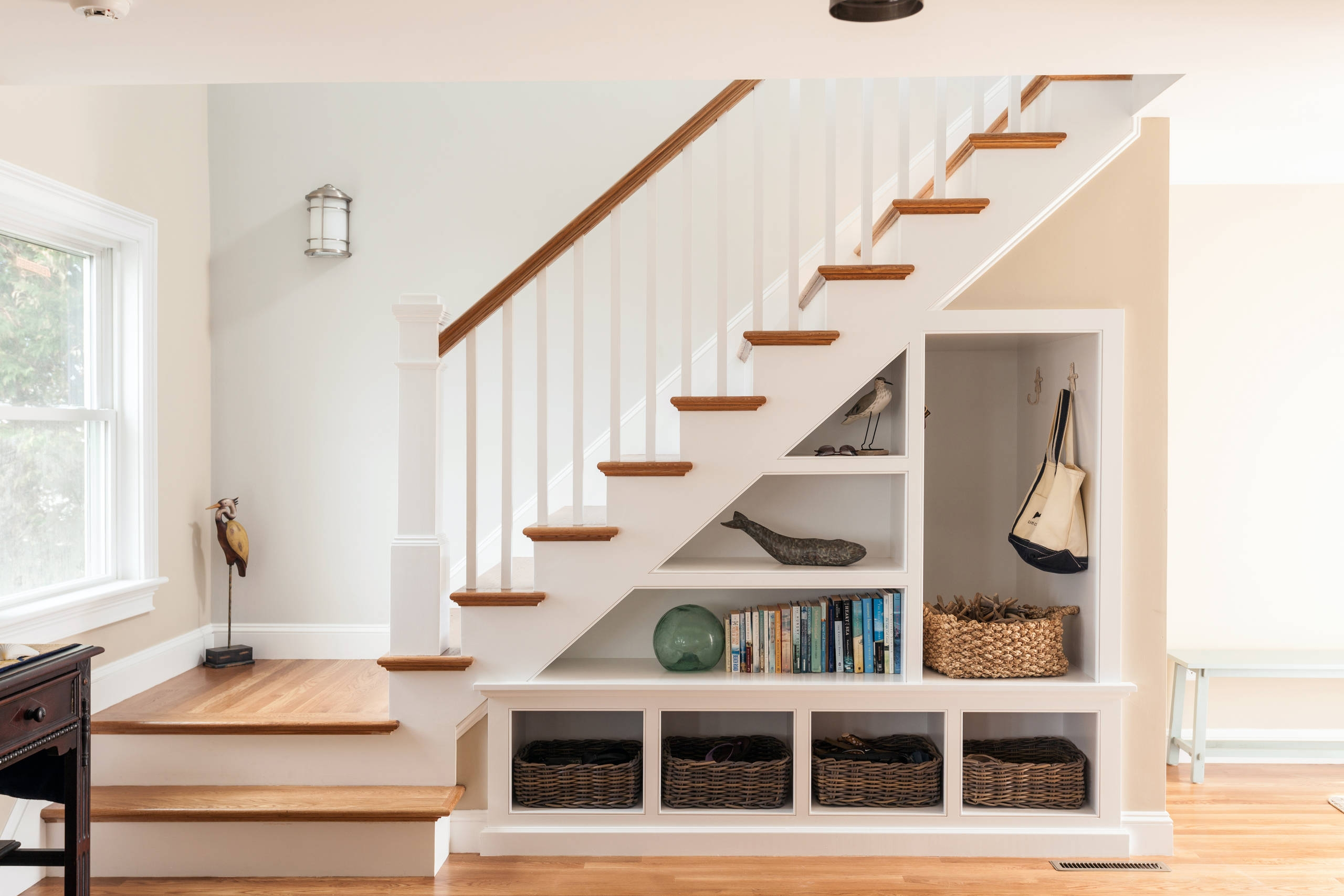 75 Beautiful Staircase Pictures Ideas September 2020 Houzz | Stairs Wall Paint Design | Designer | Fancy | Beautiful | Staircase Railing Wood | Wall Colour