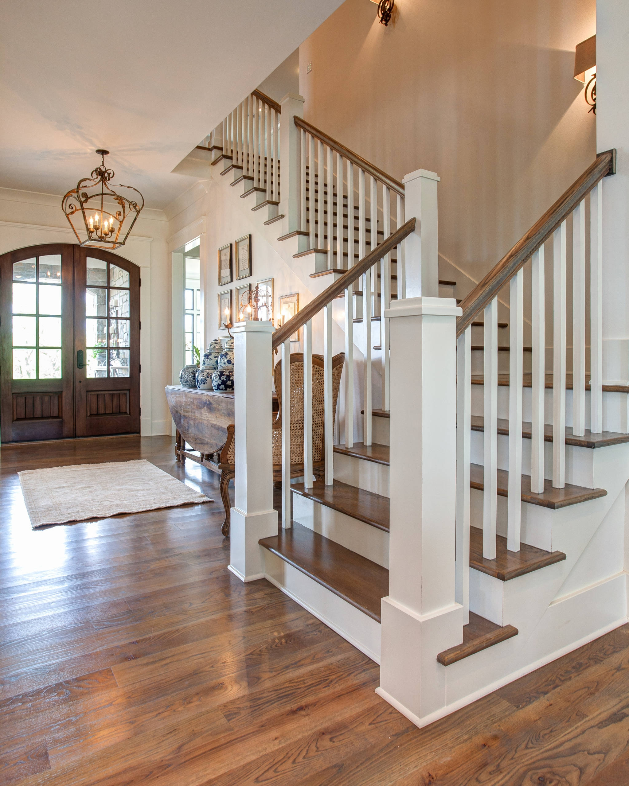 75 Beautiful Wood Stair Railing Pictures Ideas Houzz | Oak Handrails For Stairs Interior | Glass | Stair Treads | Oak Pointe | Wooden | Stair Parts