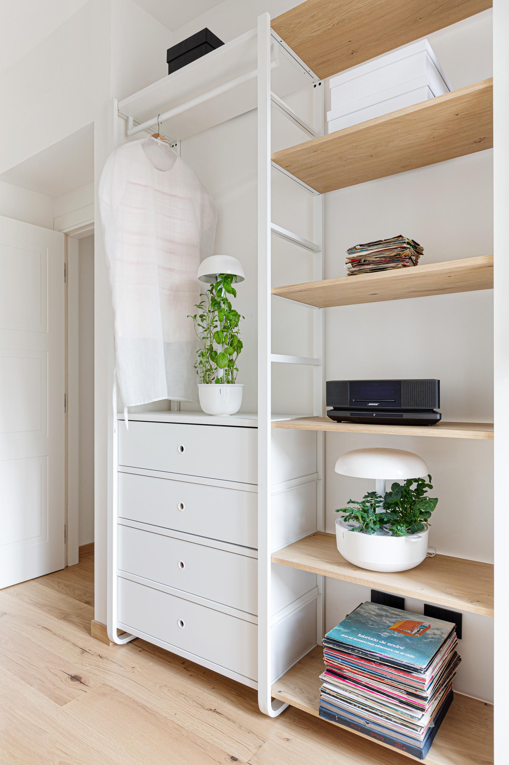 Come ricavare un angolo studio in soggiorno; Mobile Elvarli Su Misura Scandinavian Home Office Milan By Matteo Martini Architetto Houzz