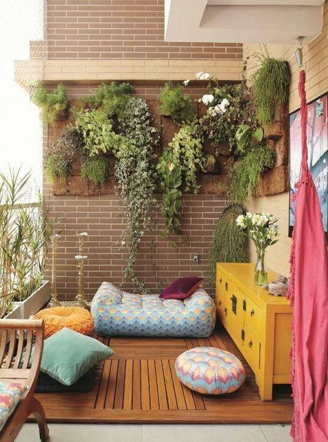 15 Picture Perfect Balcony Gardens