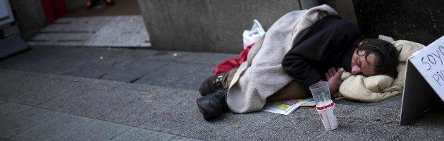 Istat, italiani sempre più poveri: quasi cinque milioni non hanno soldi per vivere