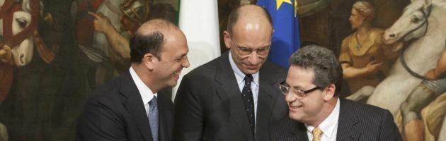 https://i0.wp.com/st.ilfattoquotidiano.it/wp-content/uploads/2013/05/miccich%C3%A8-alfano-letta_interna-nuova.jpg
