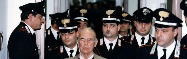 Funerali Priebke, organizzati da Lefebvriani ad Albano. Ma il sindaco dice no