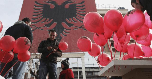 AlbaniaItalia andata e ritorno Il vostro Paese Credevamo fosse lAmerica  Il Fatto Quotidiano