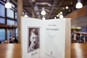 Versione storica del libro Mein Kampf di Hitler