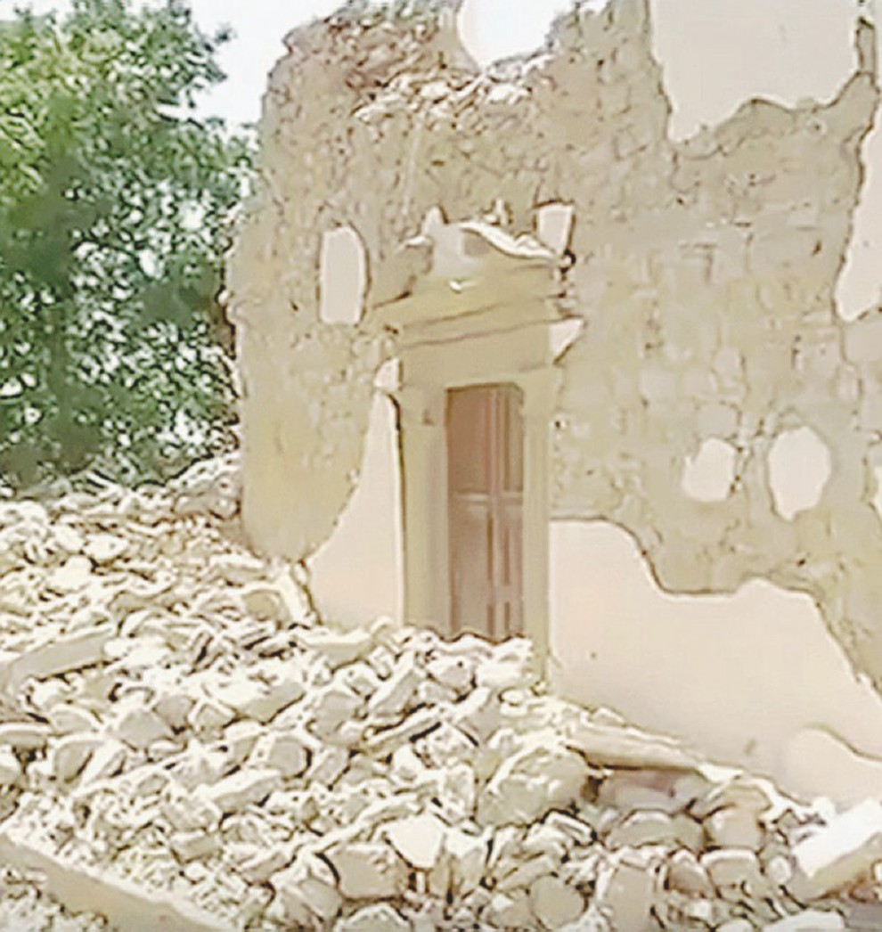 """La chiesa di Sant'Angelo prima che fosse ristrutturata e dopo il terremoto nel reportage di """"In Onda"""" su La7"""