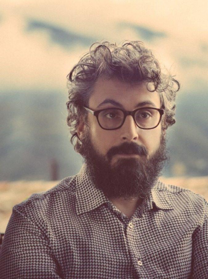 Brunori Sas il cantautore non militante che racconta le paure di una generazione  Il Fatto Quotidiano