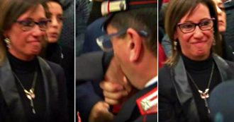 """Cucchi, the carabiniere moved to kiss his sister Ilaria: """"Finally justice"""""""