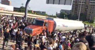 George Floyd, truck on the crowd demonstrating in Minneapolis: no injuries. The driver arrested