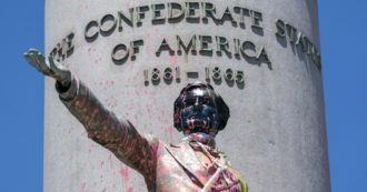 Floyd, Virginia smeared the statues of Confederate and racist heroes. Monument to General Lee shortly removed