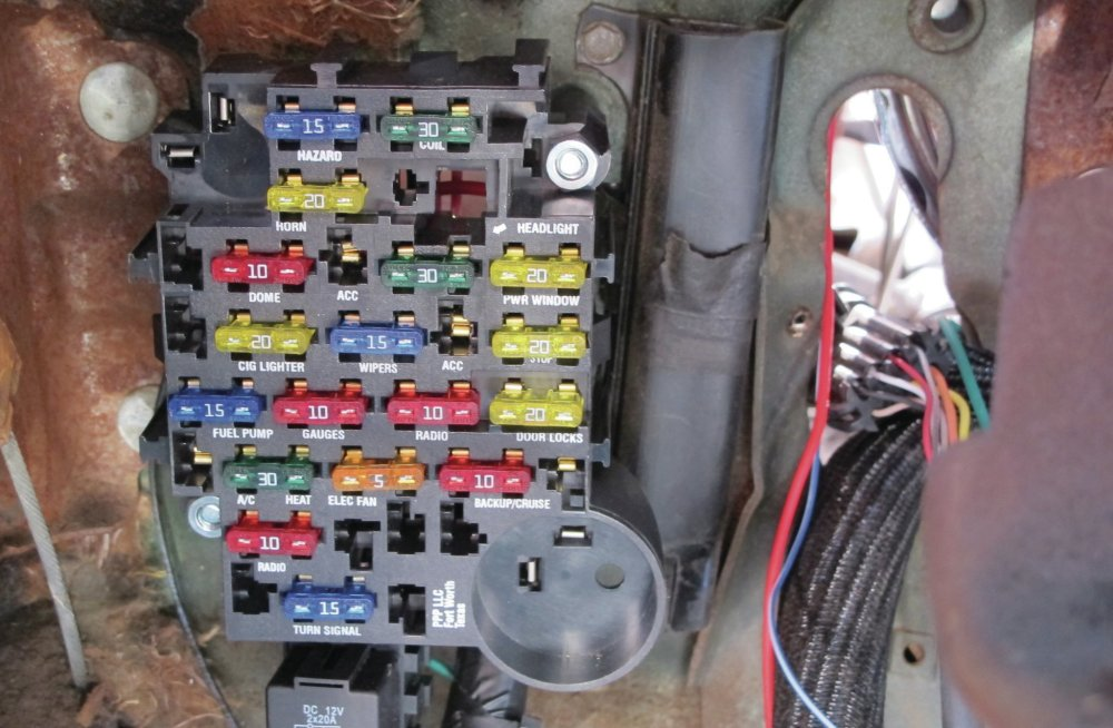 medium resolution of car fuse box cables
