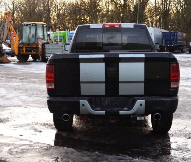Dodge Ram  Hemi 4x4 For Spare Parts Automobiles Suvs