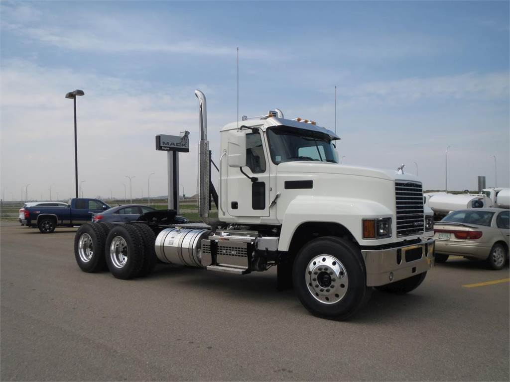 hight resolution of mack pinnacle 64t conventional trucks tractor trucks trucks and trailers