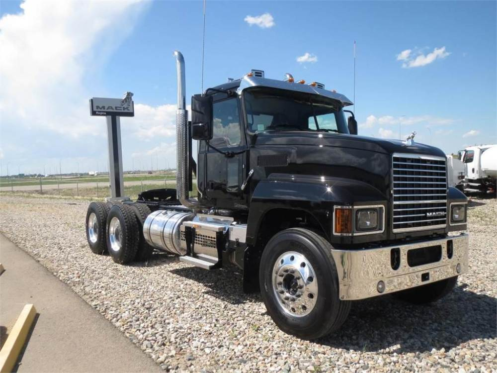 medium resolution of mack pinnacle 64t conventional trucks tractor trucks trucks and trailers