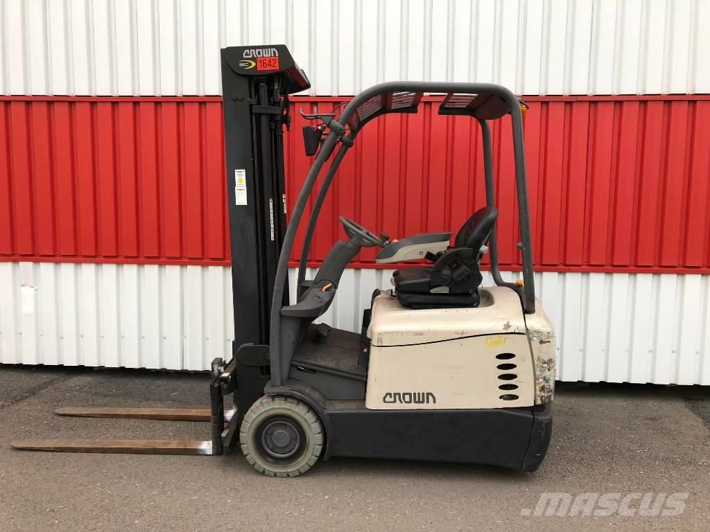 hight resolution of crown sc 5320 1 6 2013 electric forklifts