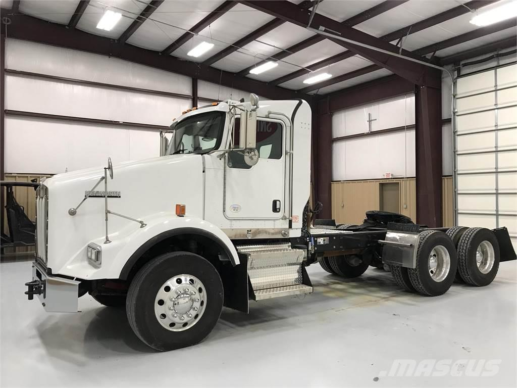 hight resolution of kenworth t800 2011 tractor units