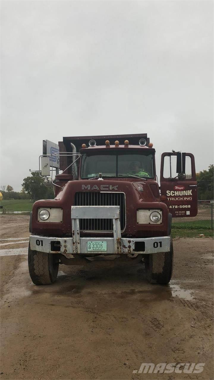 medium resolution of mack dm686s 1986 dump trucks