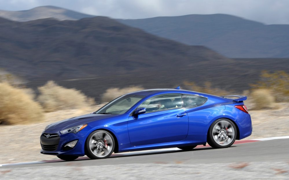 medium resolution of 2013 hyundai genesis coupe left side on track 2013 hyundai genesis coupe 3