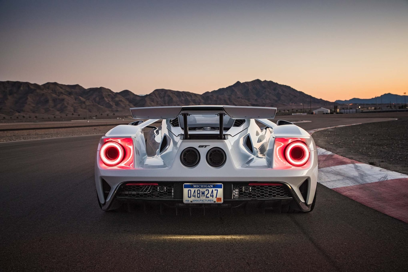 Deadmau5 Car Wallpaper 2017 Ford Gt Offers Five Drive Modes Motor Trend Canada