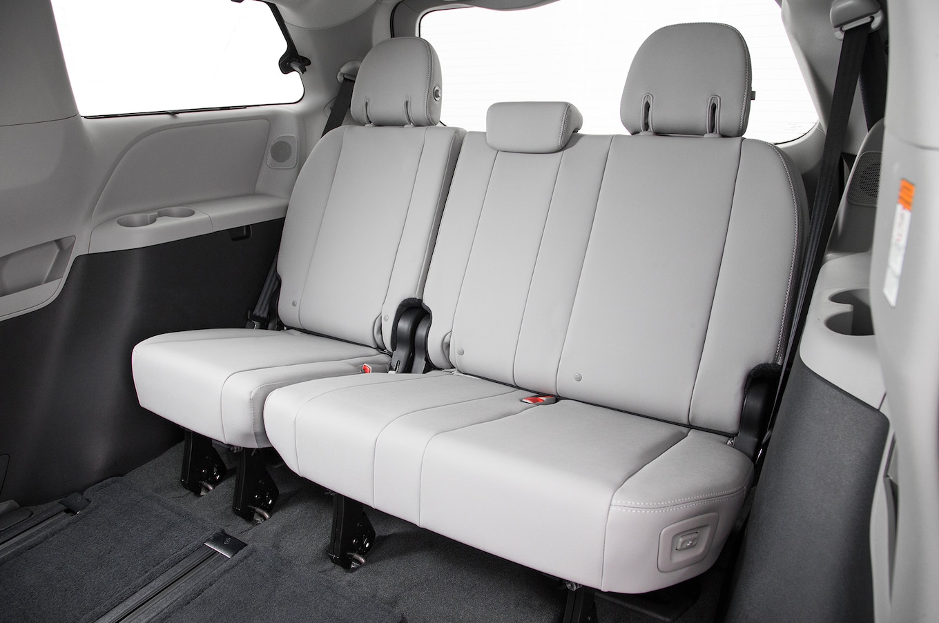 toyota sienna captains chairs removal burlap chair covers 2018 limited interior review motor trend