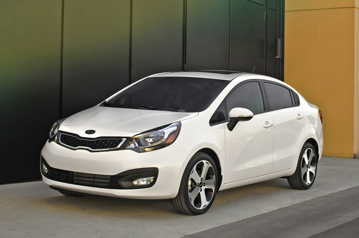 hight resolution of 2013 kia rio sedan
