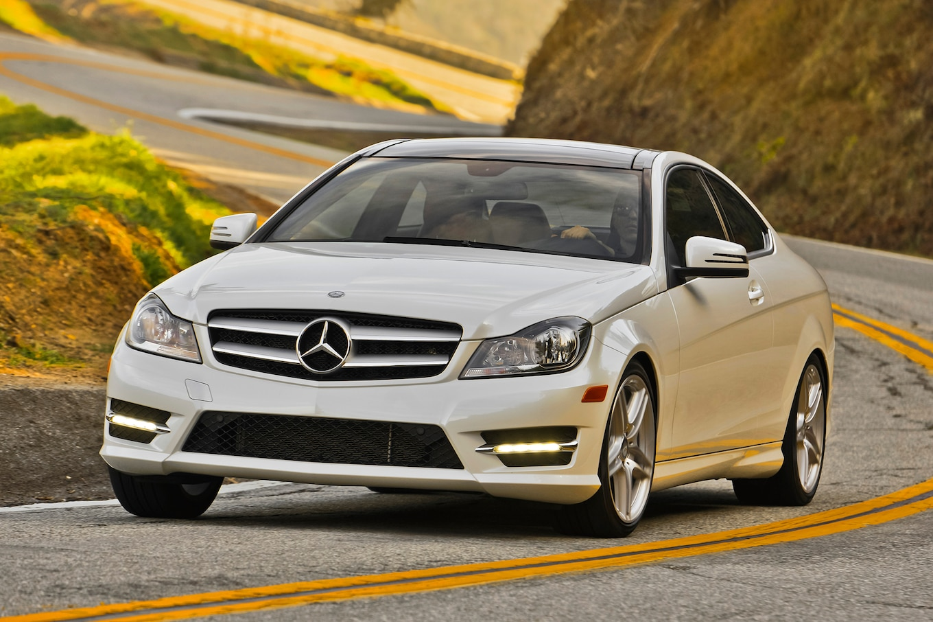 2013 Mercedesbenz C350 Sedan Sport Package Plus Front Review 2009 Mercedes C300 Fuse Box Location Cclass Reviews And Rating Motor Trend