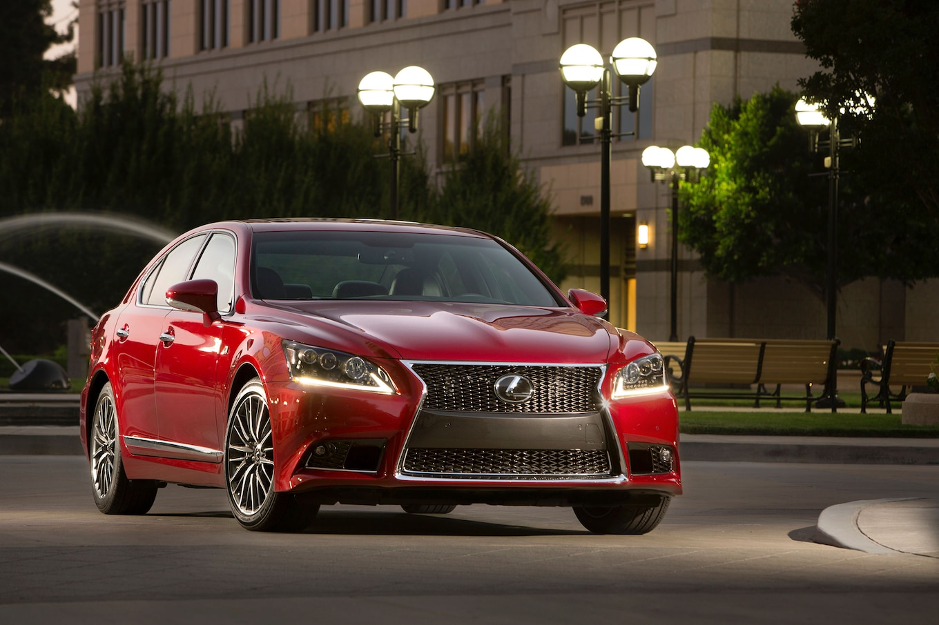 2014 Lexus LS460 Reviews and Rating