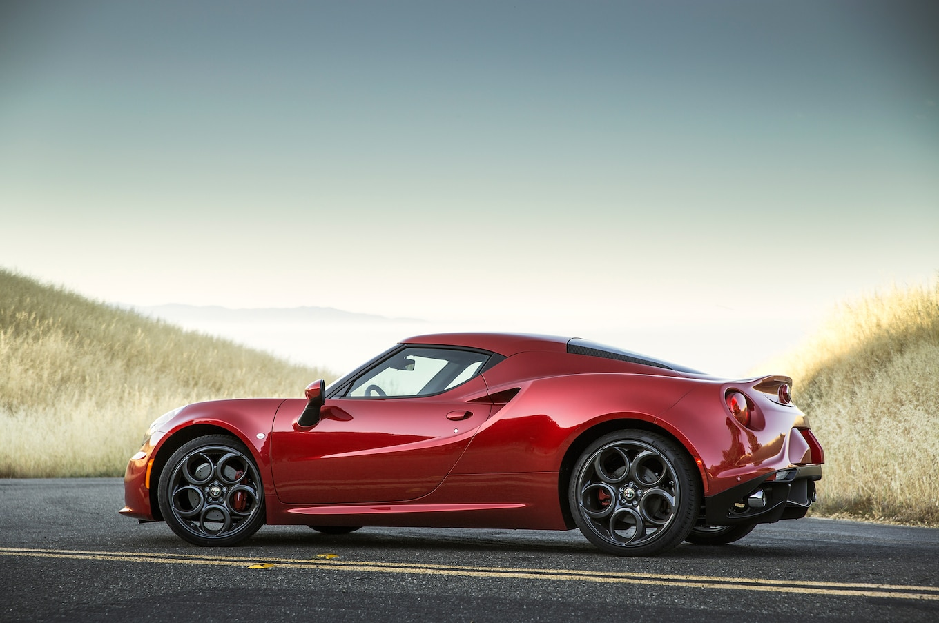 2015 Alfa Romeo 4c Reviews And Rating  Motor Trend