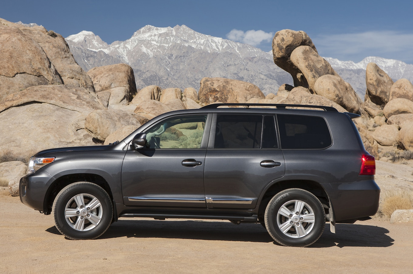 Toyota Land Cruiser 300 2015