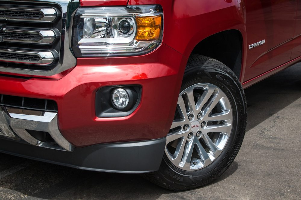 medium resolution of 2016 gmc canyon sle headlight and wheel