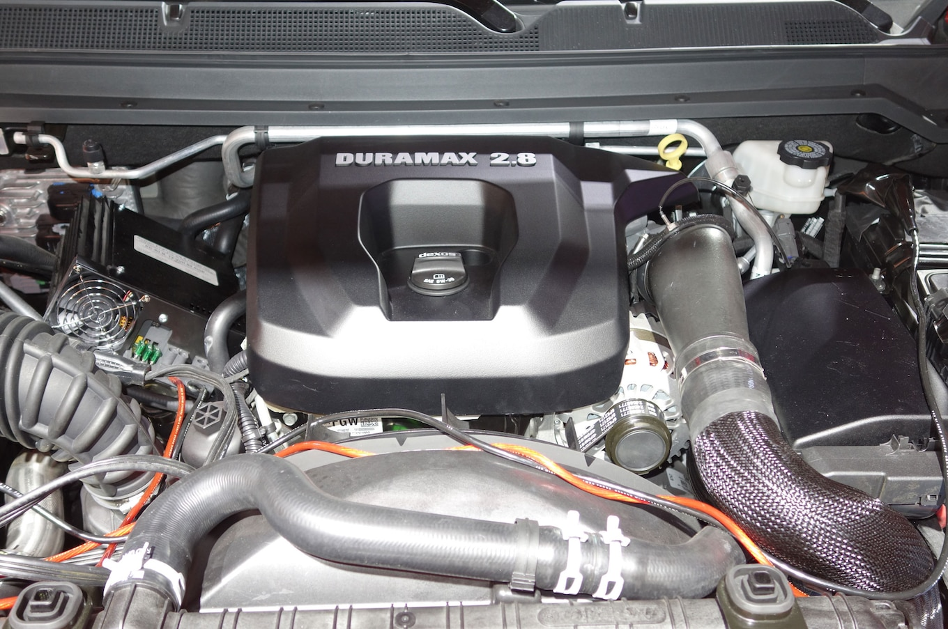 hight resolution of 2016 chevrolet colorado duramax engine bay
