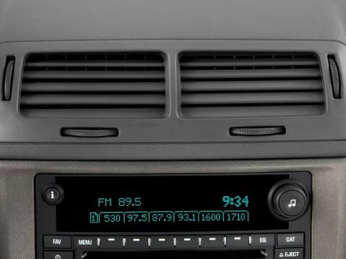 small resolution of interior fuse box location 2005 2010 chevy cobalt radio removal