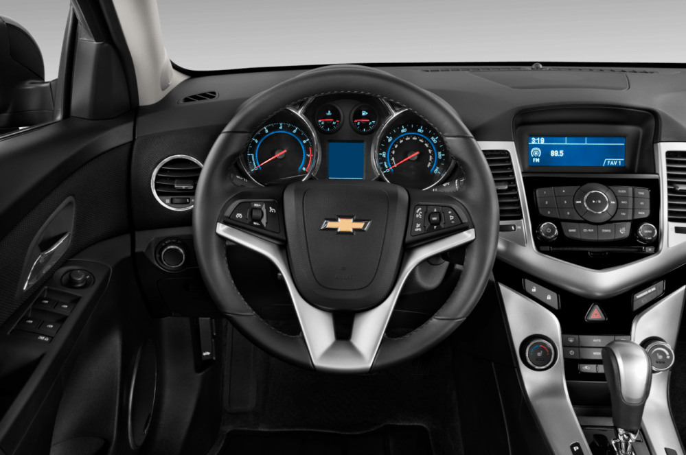 medium resolution of 2012 chevrolet cruze reviews and rating motor trend 45 61 2012 chevy cruze