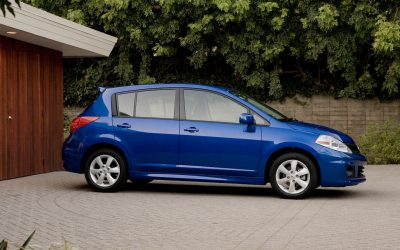 2012 Nissan Versa Hatchback Photo Gallery - Motor Trend