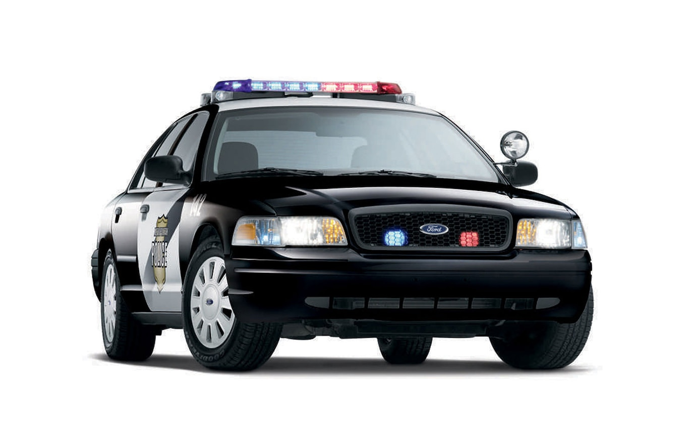 hight resolution of nhtsa investigating 2005 2008 ford crown victoria for faulty steering column motortrend