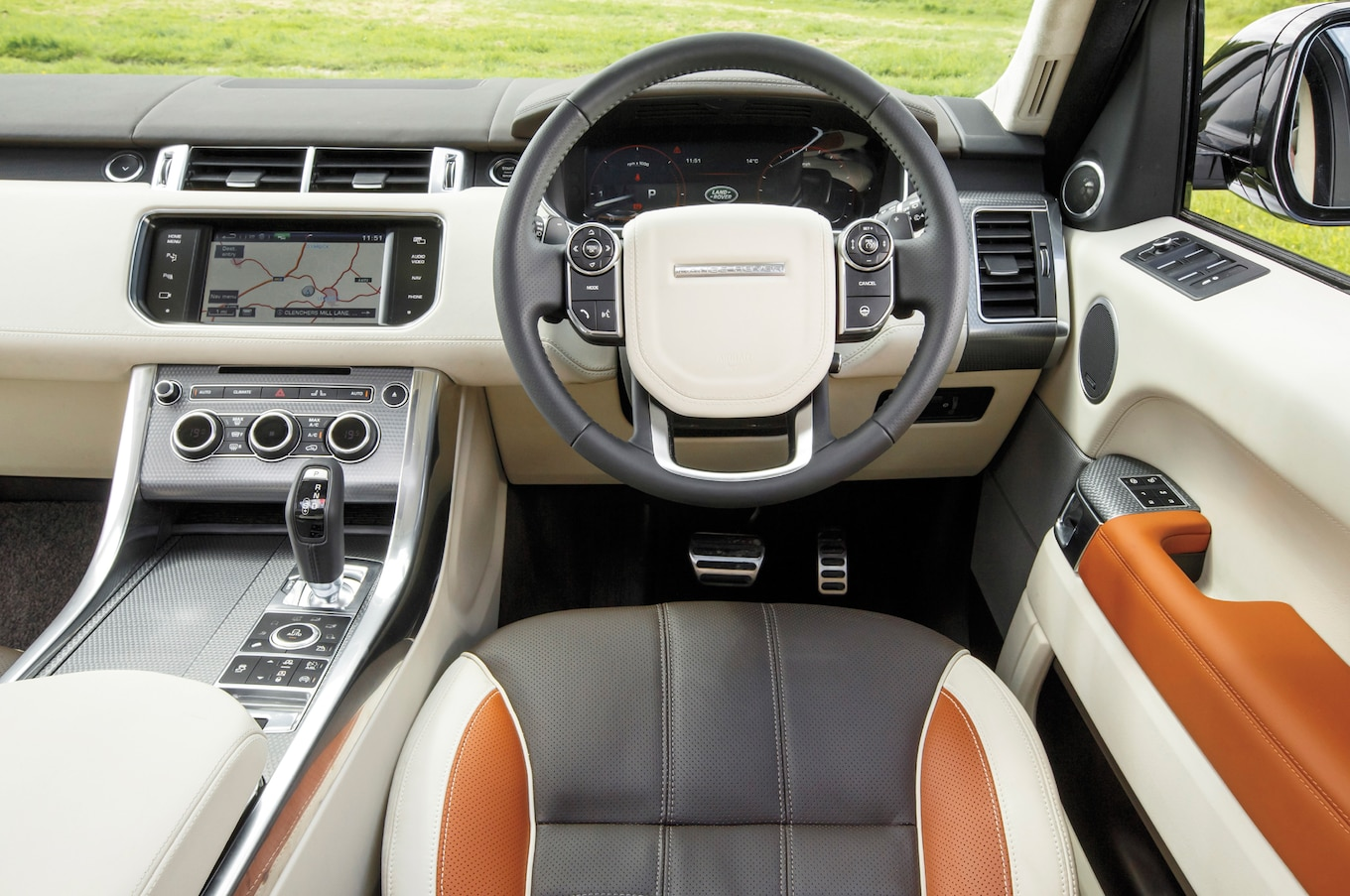 100 [ Land Rover Lr4 Interior 2014 ]