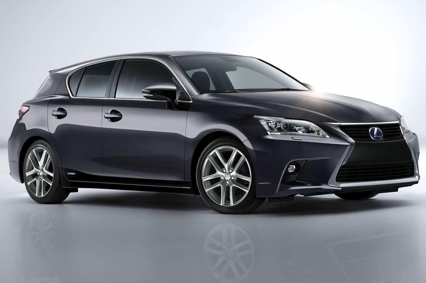 Refreshed 2014 Lexus CT 200h Priced at $32 960