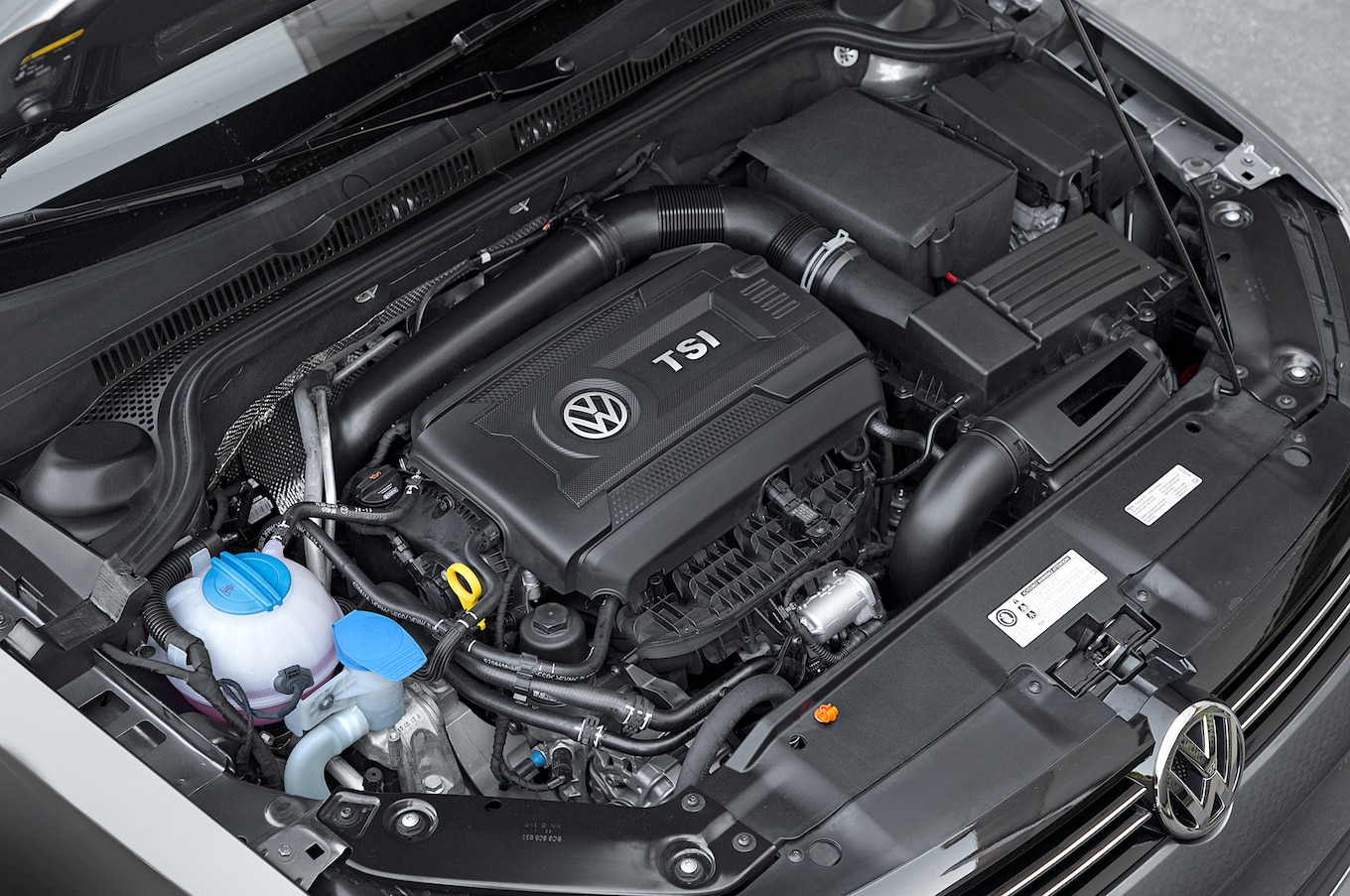 2014 volkswagen jetta 1 8t se first test motortrend 2014 vw jetta engine diagram [ 1360 x 903 Pixel ]