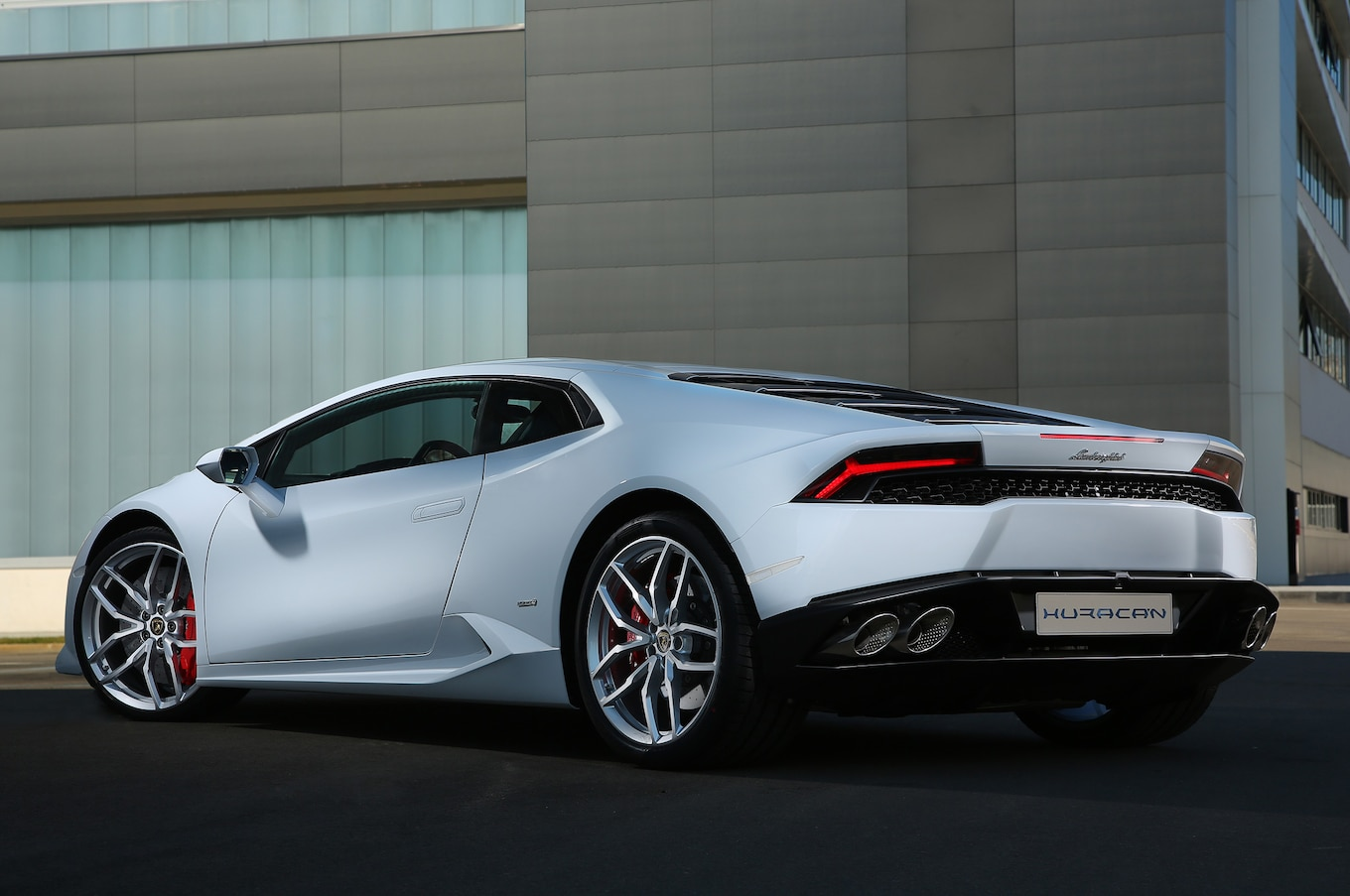 The Lamborghini Huracan 18 Things You Didnt Know Motor