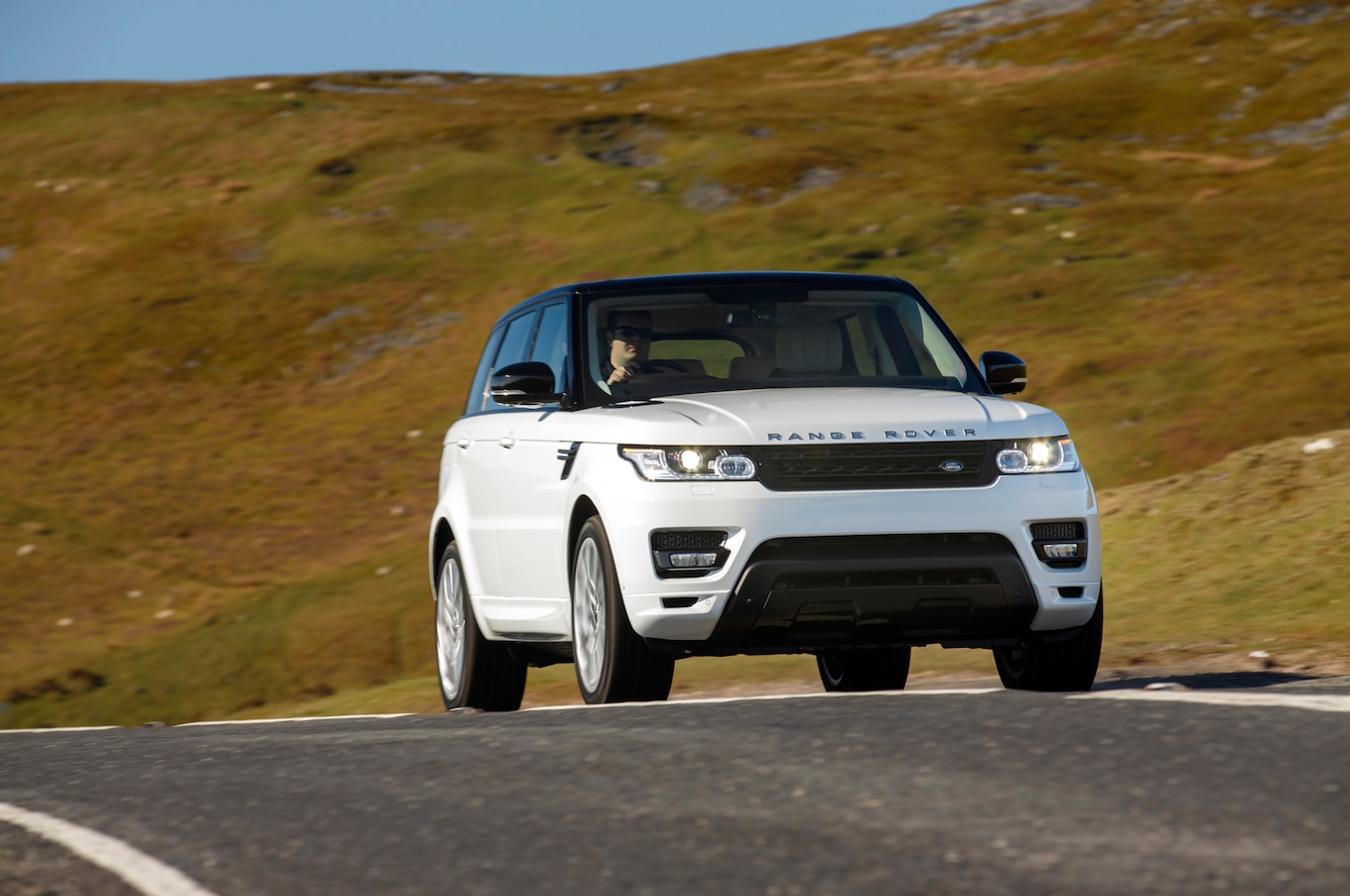More Than 65 000 Range Rover SUVs Recalled for Faulty Door Latches