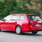 2016 Volkswagen Golf SportWagen rear threee quarter in motion 04