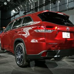 Toyota 4runner Captains Chairs Home Goods Kitchen 2017 Highlander First Look Review Motor Trend