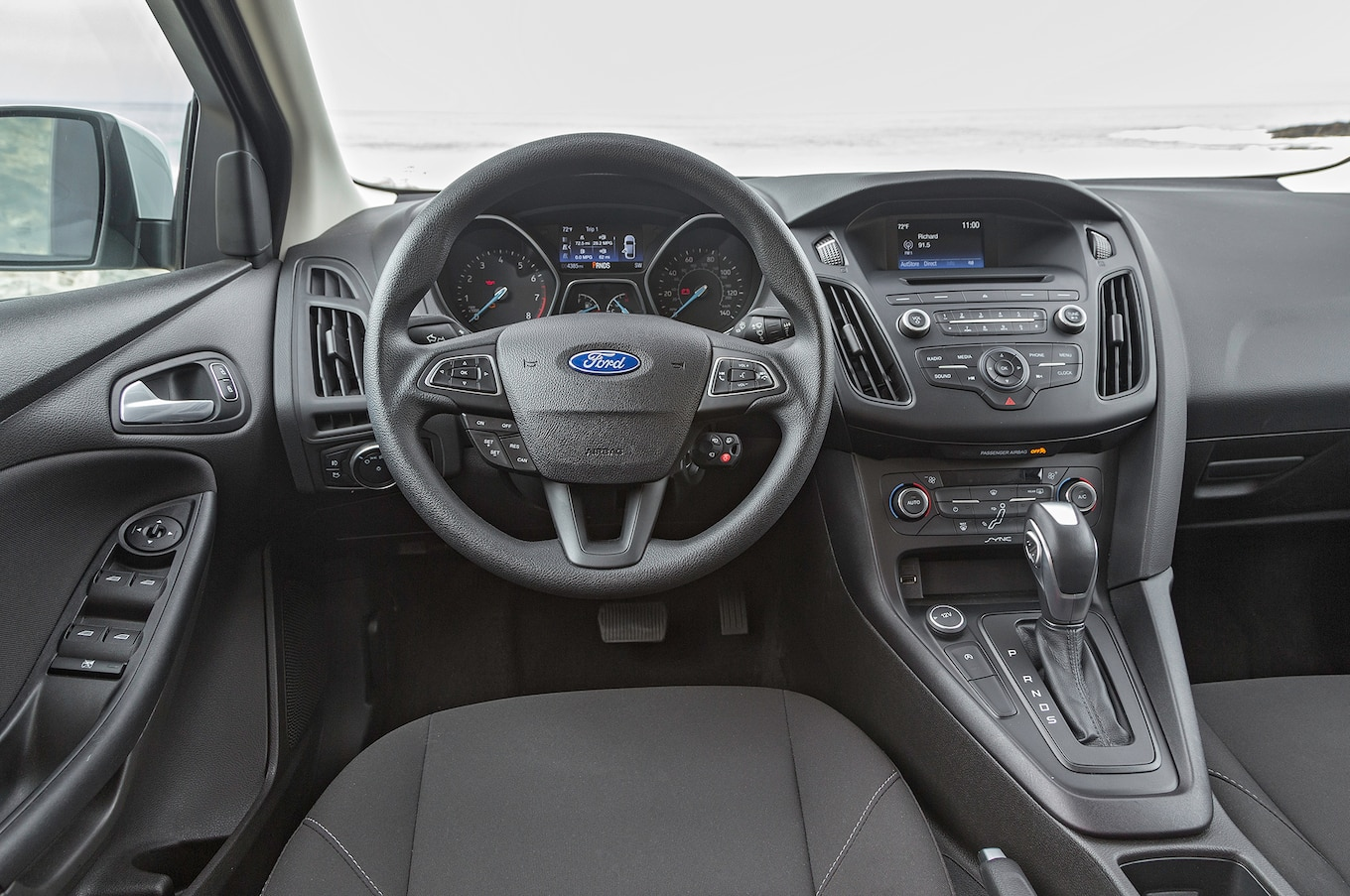 hight resolution of 2016 ford focus se ecoboost i 3 first test driving the manual and auto motortrend
